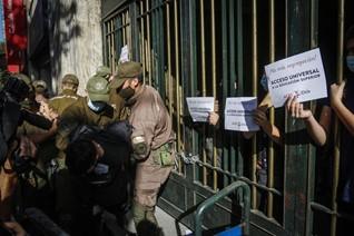 Manifestaciones, mascarillas y lápices: Así fue la primera jornada de la PTU